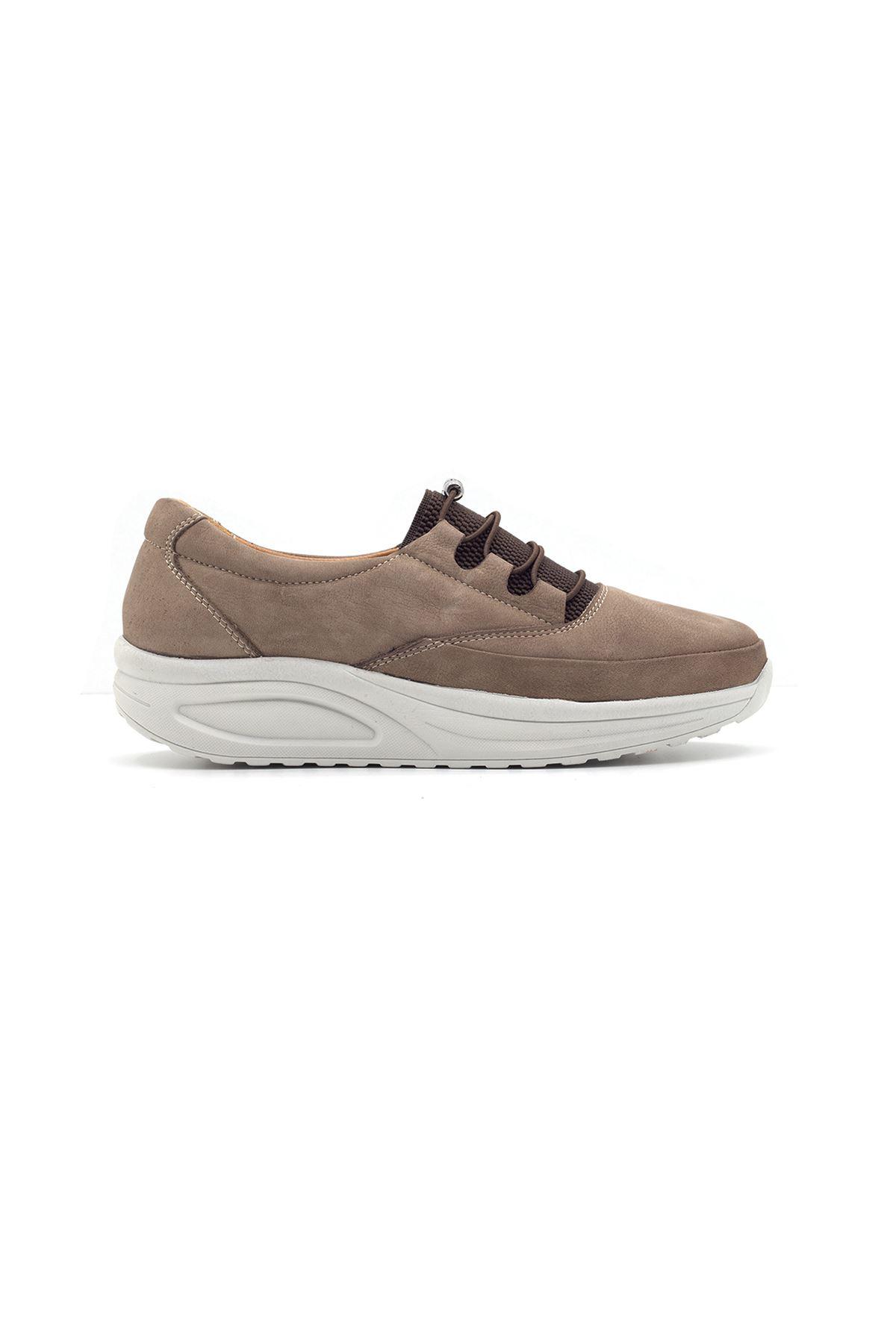 855 Nubuk Kum Kadın Yürüyüş Ayakkabısı
